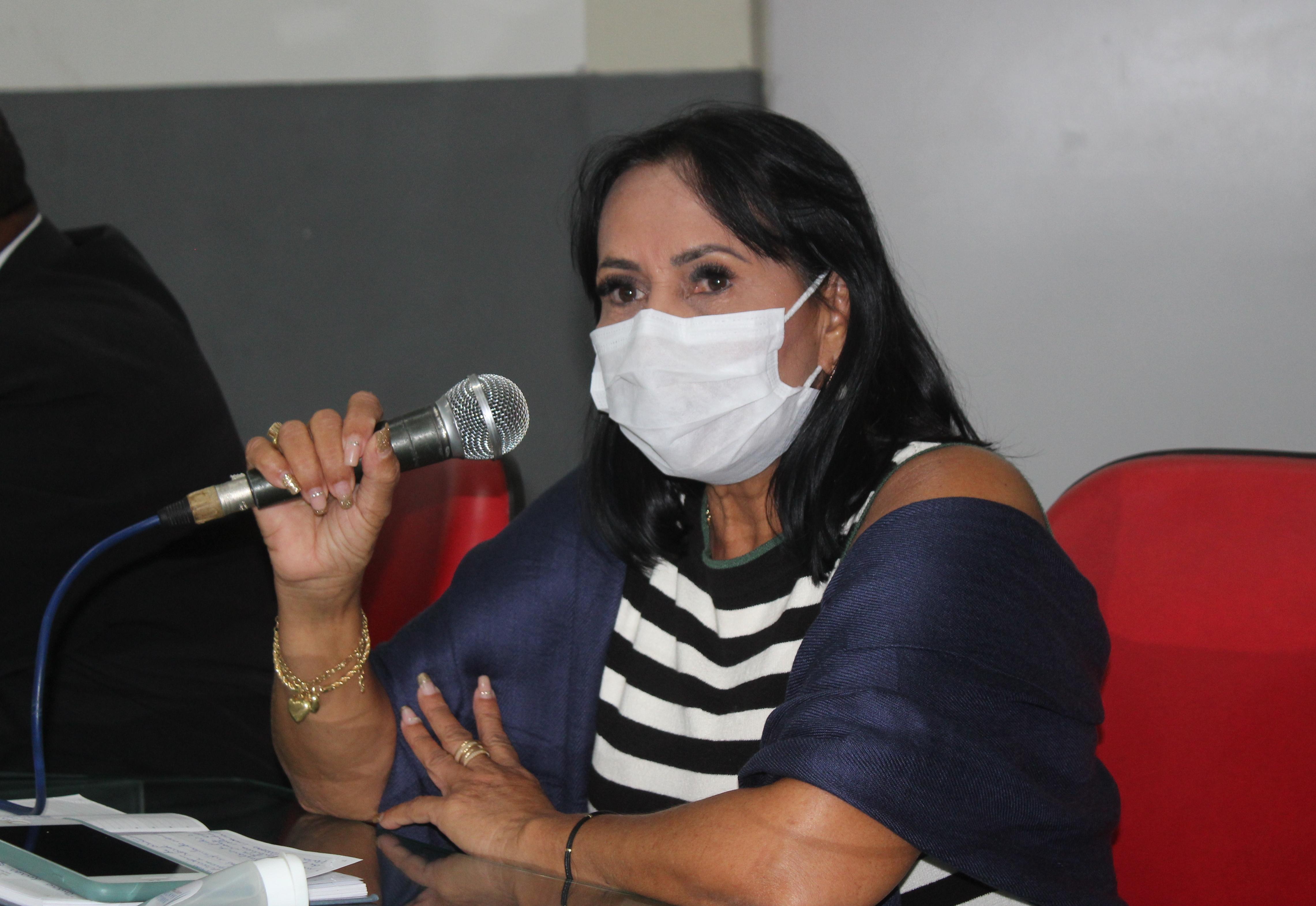 Vereadora Ny solicita manutenção da iluminação pública do Bairro Bela Vista e fala do acolhimento as famílias enlutadas em decorrência da Covid-19
