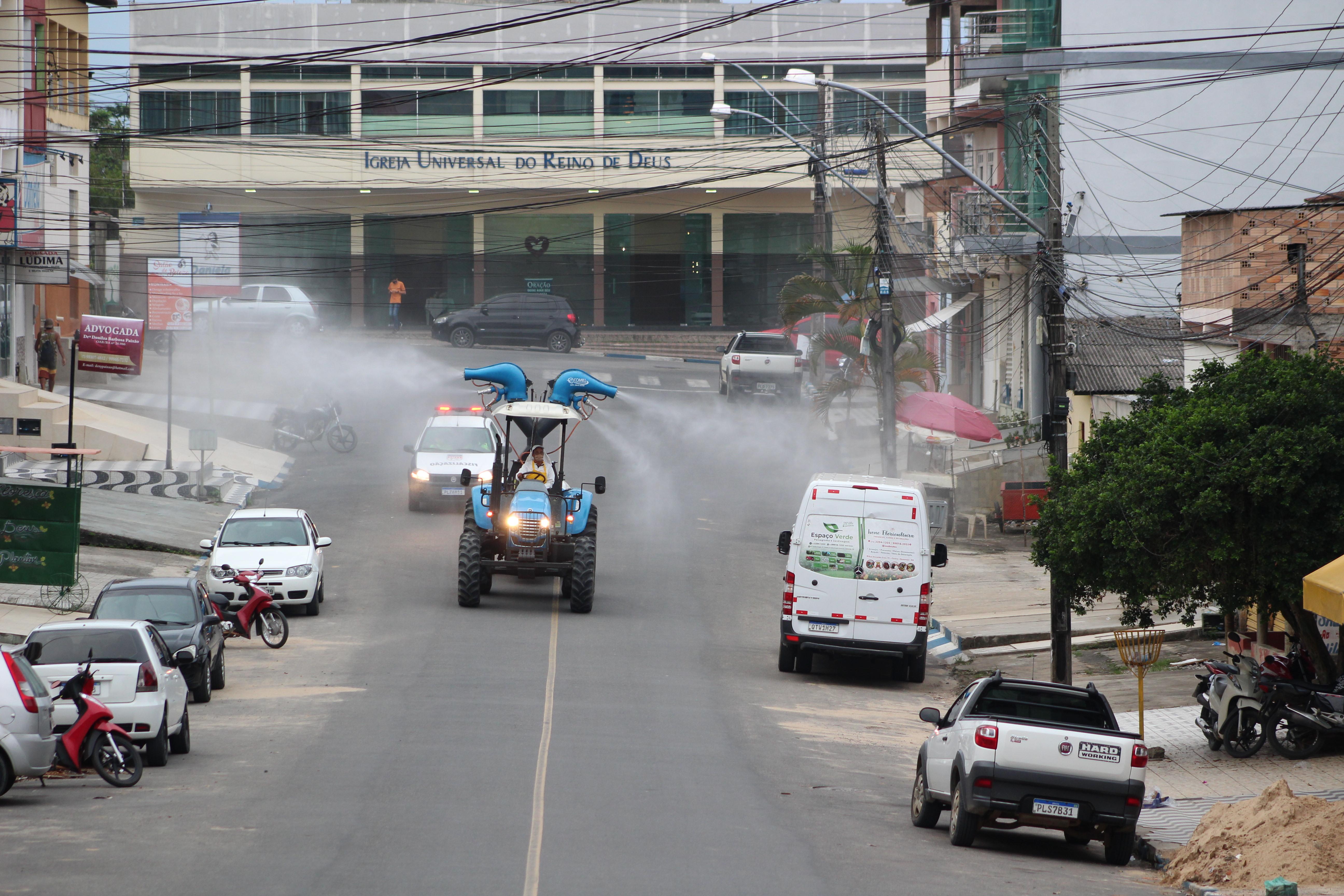 Prefeitura de Itamaraju realiza desinfecção de ruas e espaços públicos