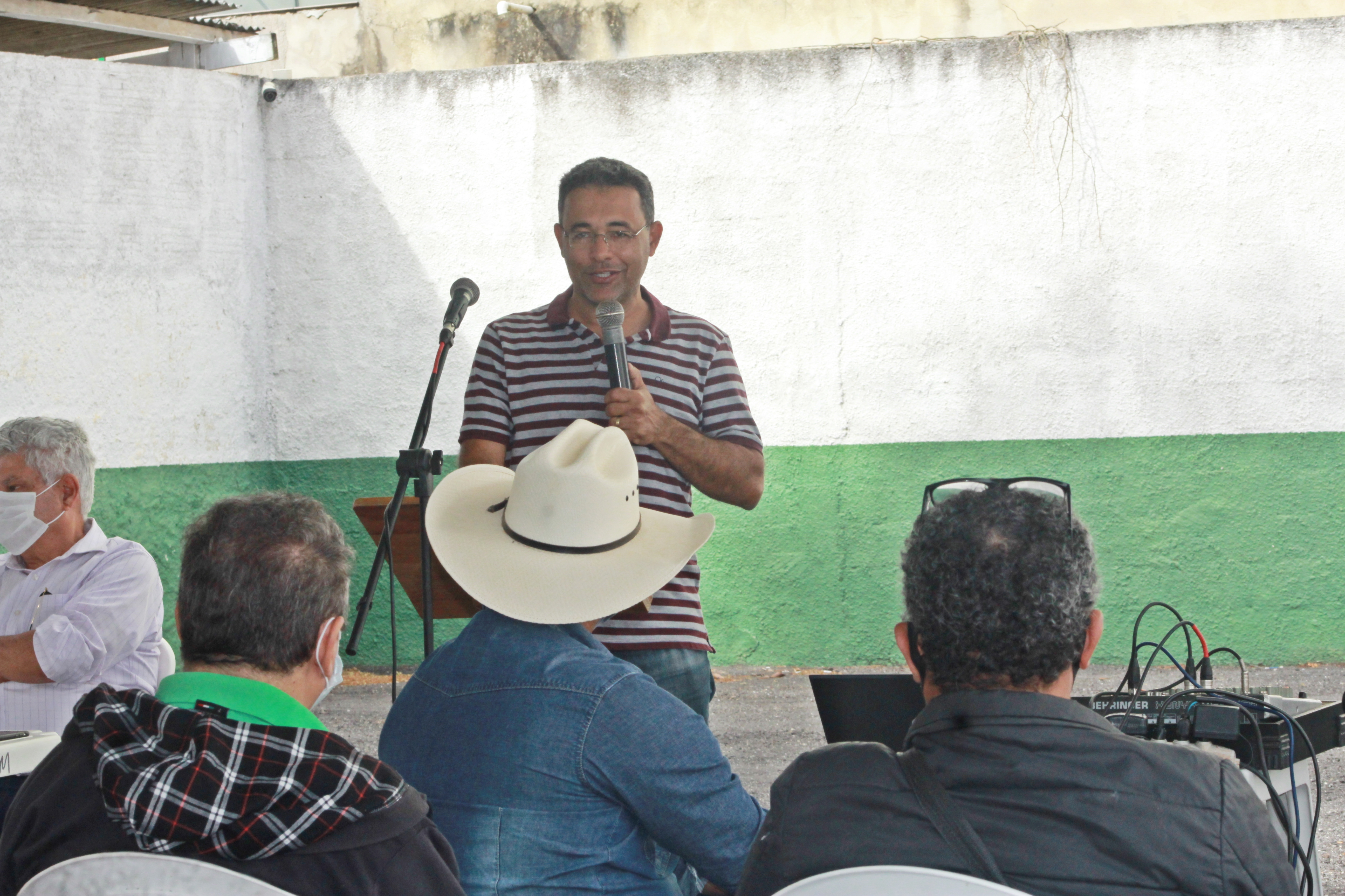 Prefeitura de Itamaraju, realiza distribuição de 2ª remessa de alevinos a produtores rurais do município