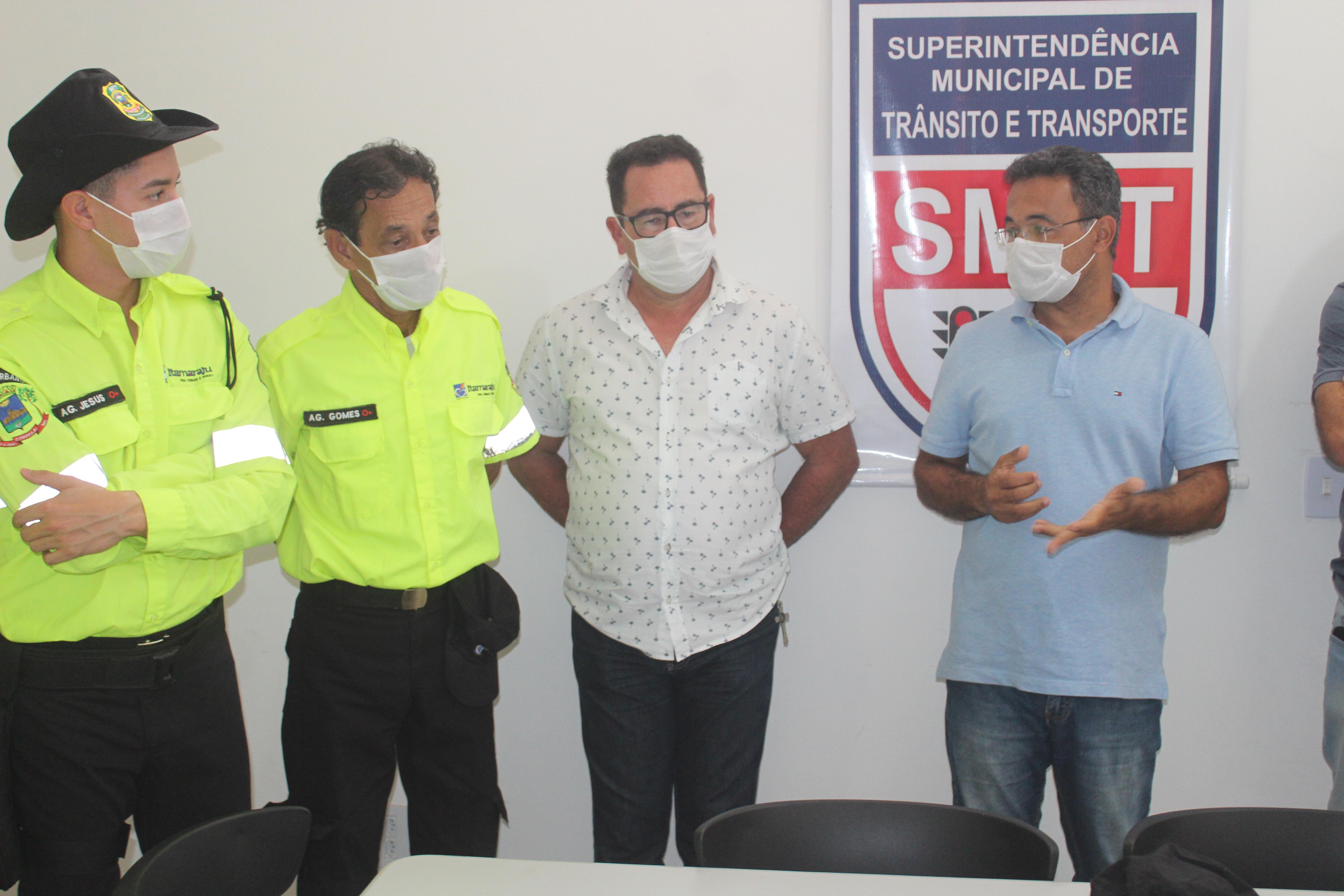 Prefeitura de Itamaraju realiza entrega de novos uniformes para Agentes de Transito